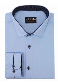 Modini - Błękitna/niebieska koszula męska z granatowymi kontrastami w kropki Y06. Kolor: niebieski. Materiał: bawełna, tkanina, poliester. Wzór: kropki. Styl: klasyczny