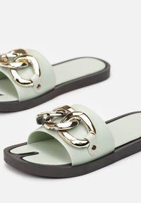 Renee - Miętowe Klapki Andrielez. Nosek buta: otwarty. Kolor: miętowy. Materiał: guma. Wzór: gładki, aplikacja