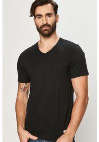 Czarny t-shirt Champion na co dzień, casualowy