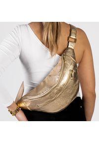 Torebka Arturo Vicci przez ramię, w kolorowe wzory