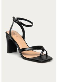Czarne sandały Call It Spring na obcasie, na średnim obcasie