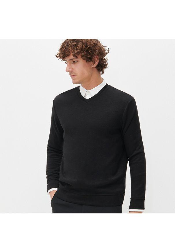 Czarna bluza Reserved