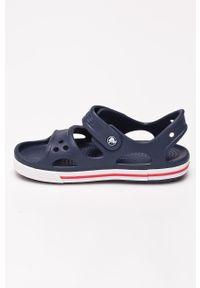 Niebieskie sandały Crocs na rzepy