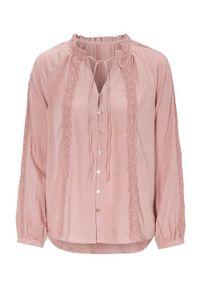 Różowa bluzka Cellbes w koronkowe wzory, z dekoltem w serek