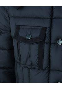 MONCLER - Granatowy płaszcz Hermine. Kolor: niebieski. Materiał: wełna, puch, materiał