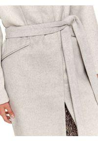 TOP SECRET - Elegancki płaszcz ze stójką z dodatkiem wełny. Typ kołnierza: kołnierzyk stójkowy. Kolor: szary. Materiał: wełna. Sezon: zima. Styl: elegancki #5