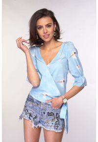 Nommo - Kopertowa Bluzka Wiązaniem - Błękitna. Kolor: niebieski. Materiał: wiskoza, poliester