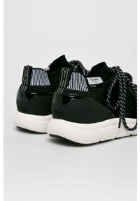 Czarne sneakersy Pepe Jeans z okrągłym noskiem, na sznurówki