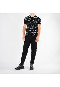 Bikkembergs T-Shirt. Okazja: na co dzień. Materiał: tkanina. Wzór: aplikacja, nadruk. Styl: casual