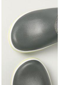 Szare buty zimowe Crocs z cholewką, na zimę