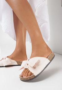 Born2be - Beżowe Klapki Mapheia. Nosek buta: okrągły. Kolor: beżowy