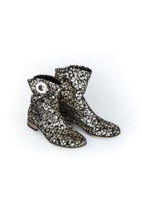 Zapato - płaskie botki za kostkę - skóra naturalna - model 270 - kolor złote kwiaty. Wysokość cholewki: za kostkę. Kolor: złoty. Materiał: skóra. Szerokość cholewki: normalna. Wzór: kwiaty. Obcas: na obcasie. Styl: klasyczny, boho