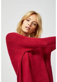 Różowy sweter MOODO