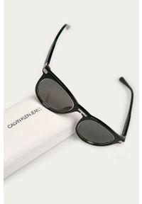 Calvin Klein Jeans - Okulary przeciwsłoneczne. Kształt: owalne. Kolor: czarny