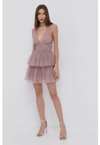 Elisabetta Franchi - Sukienka. Kolor: różowy. Materiał: dzianina. Typ sukienki: rozkloszowane