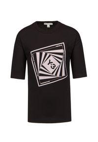 T-shirt Y-3 M CH1 GFX SSTEE. Materiał: bawełna, prążkowany. Długość rękawa: krótki rękaw. Długość: krótkie. Wzór: nadruk. Styl: klasyczny