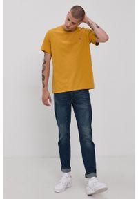 Levi's® - Levi's - T-shirt bawełniany. Okazja: na co dzień, na spotkanie biznesowe. Kolor: żółty. Materiał: bawełna. Wzór: gładki. Styl: biznesowy, casual