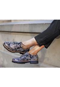 Zapato - sznurowane półbuty oksfordki - skóra naturalna - model 258 - kolor boho. Nosek buta: okrągły. Zapięcie: sznurówki. Materiał: skóra. Wzór: kolorowy. Sezon: lato. Obcas: na obcasie. Styl: boho. Wysokość obcasa: niski