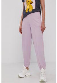 Pieces - Spodnie. Kolor: fioletowy. Materiał: bawełna