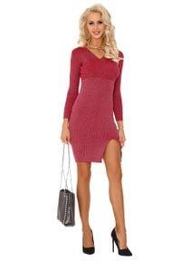 Merribel - Czerwona Kopertowa Sukienka z Prążkowanej Dzianiny. Kolor: czerwony. Materiał: dzianina, prążkowany. Typ sukienki: kopertowe