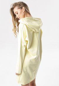 Born2be - Żółta Sukienka Savageia. Kolor: żółty