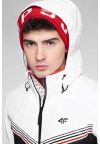 4f - Kurtka narciarska KUMN901 - biały. Typ kołnierza: kołnierzyk stójkowy. Kolekcja: plus size. Kolor: biały. Materiał: mesh, materiał, poliester. Technologia: Dermizax. Sezon: zima. Sport: narciarstwo