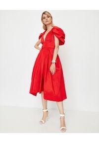 Czerwona sukienka Alexander McQueen elegancka, midi
