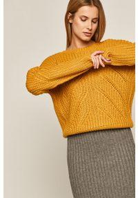 medicine - Medicine - Sweter Basic. Okazja: na co dzień. Kolor: żółty. Długość rękawa: długi rękaw. Długość: długie. Wzór: ze splotem. Styl: casual