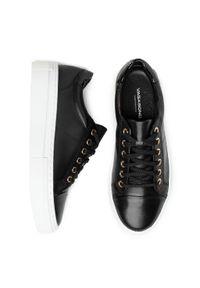 vagabond - Sneakersy VAGABOND - Zoe Platfo 4927-501-20 Black. Kolor: czarny. Materiał: skóra, lakier. Szerokość cholewki: normalna. Obcas: na płaskiej podeszwie