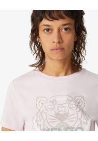 Kenzo - KENZO - Jasnoróżowa koszulka Tiger. Kolor: różowy, fioletowy, wielokolorowy. Materiał: bawełna. Wzór: aplikacja. Sezon: wiosna. Styl: klasyczny