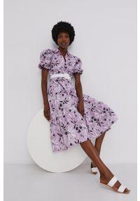 Answear Lab - Sukienka. Kolor: fioletowy. Materiał: tkanina. Długość rękawa: krótki rękaw. Typ sukienki: rozkloszowane. Styl: wakacyjny
