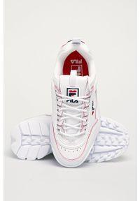Białe buty sportowe Fila na średnim obcasie, z cholewką, na obcasie