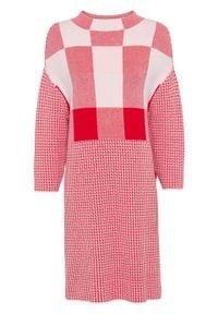 """Sukienka dzianinowa """"colour-blocking bonprix biało-czerwony. Typ kołnierza: kołnierzyk stójkowy. Kolor: biały. Materiał: dzianina. Długość rękawa: długi rękaw"""
