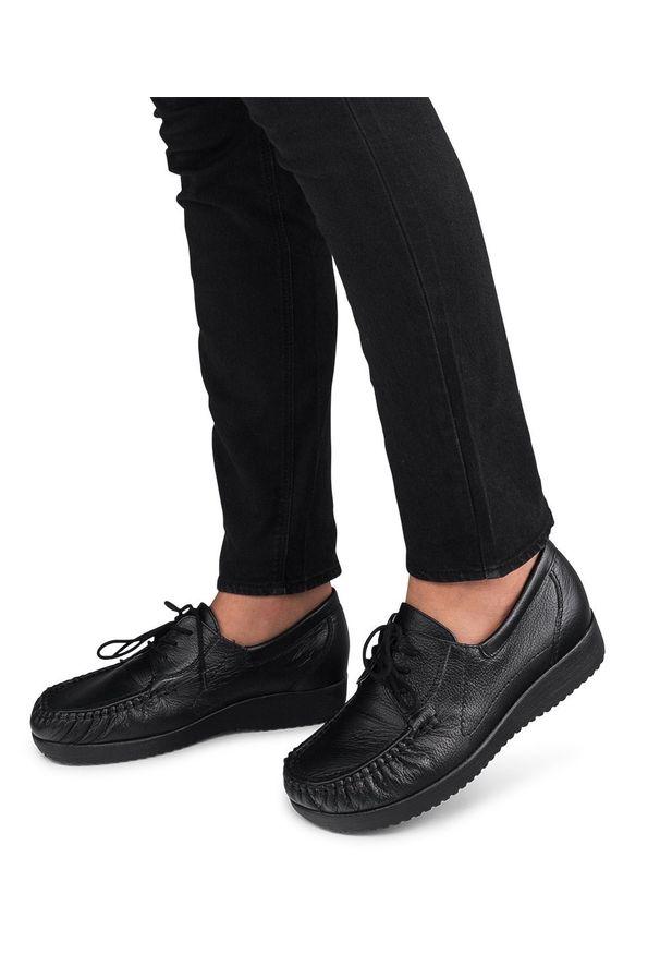 Czarne półbuty PESCO w kolorowe wzory, eleganckie