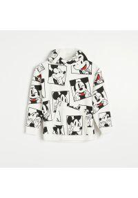 Reserved - Bluza z kapturem Mickey Mouse - Kremowy. Typ kołnierza: kaptur. Kolor: kremowy. Wzór: motyw z bajki