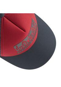 Jack Wolfskin - Czapka z daszkiem JACK WOLFSKIN - Brand Mesh Cap 1909391 Dark Lacquer Red. Kolor: czerwony, wielokolorowy, szary. Materiał: materiał, poliester