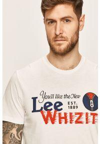 Biały t-shirt Lee casualowy, z nadrukiem, z okrągłym kołnierzem, na co dzień