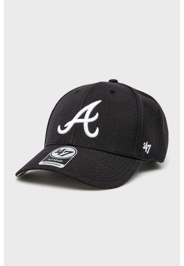 Czarna czapka z daszkiem 47 Brand z haftami