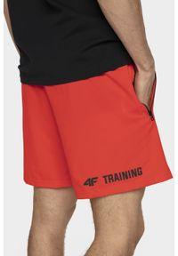 Czerwone spodenki sportowe 4f na fitness i siłownię