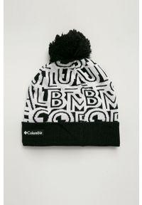 Czarna czapka columbia z nadrukiem, na zimę