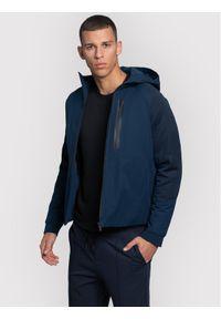 Niebieska kurtka przejściowa