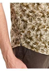 TOP SECRET - Koszula z nadrukiem o luźnym kroju. Kolor: zielony. Materiał: bawełna. Długość rękawa: krótki rękaw. Długość: krótkie. Wzór: nadruk. Sezon: lato