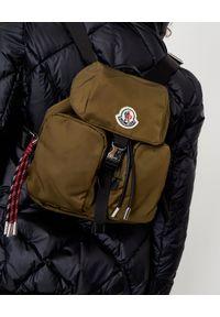 MONCLER - Zielony plecak Dauphine. Kolor: zielony. Materiał: materiał. Styl: elegancki