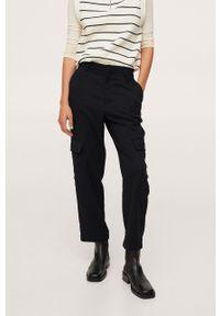 mango - Mango - Spodnie Frank. Stan: podwyższony. Kolor: czarny. Materiał: włókno