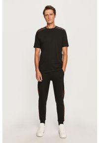 Czarne spodnie dresowe Hugo