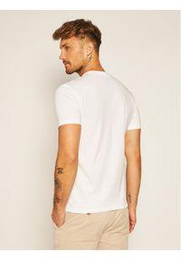 Marc O'Polo T-Shirt B21 2220 51018 Biały Shaped Fit. Typ kołnierza: polo. Kolor: biały