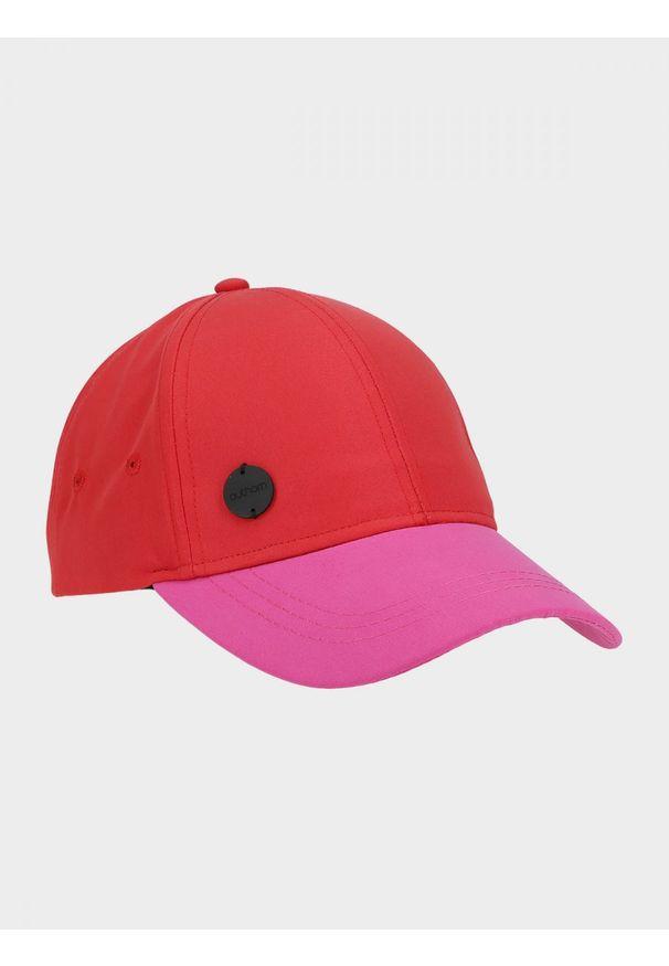 Czerwona czapka outhorn