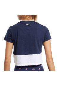 Koszulka damska Reebok Training Essentials Linear Logo FU2257. Materiał: dzianina, bawełna, poliester. Długość rękawa: krótki rękaw. Długość: krótkie. Sport: fitness