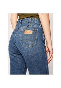 Niebieskie jeansy slim Wrangler retro