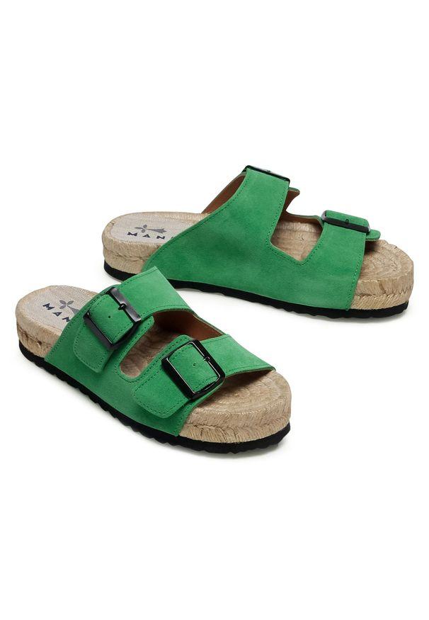 Zielone klapki Manebi